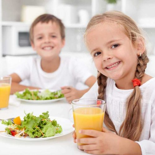 restauración en comedores escolares - niños pequeños