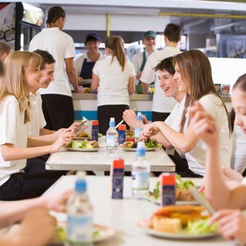 restauración en comedores escolares - niños de secundaria